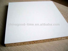 china 4'x8' wholesale veneered chipboard/ plain chipboard prices with high quality