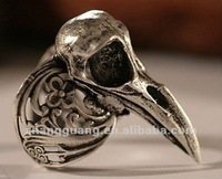 Raven skull ring ancient silver, self adjustable size 4 to 11