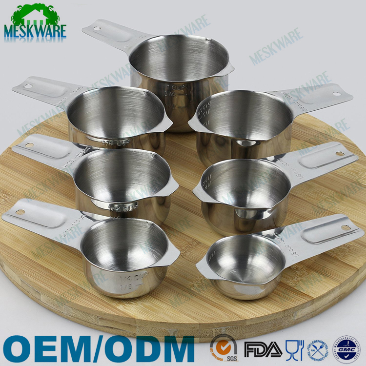 18/8 Stainless steel 7-piece measuring cups set with long handle and spout