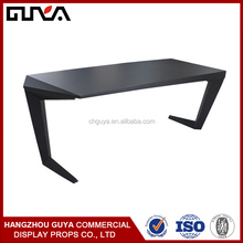 High quality good brand retail clothing display table