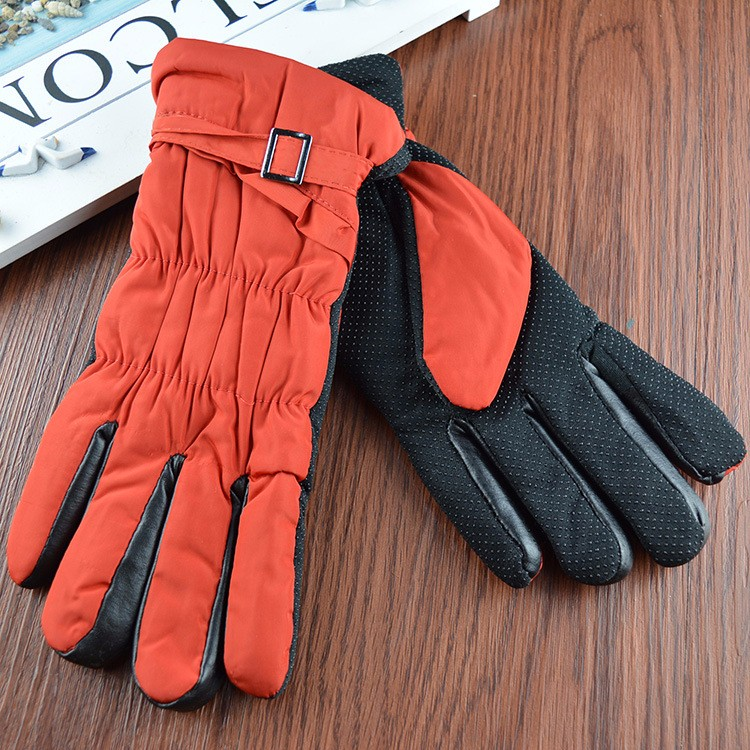 High quality Custom embroidered winter gloves