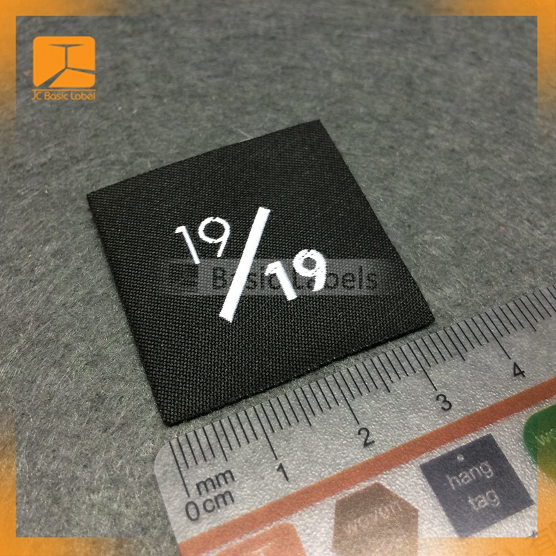custom designed brand clothing woven fabric label for softextile blank tshirt no label