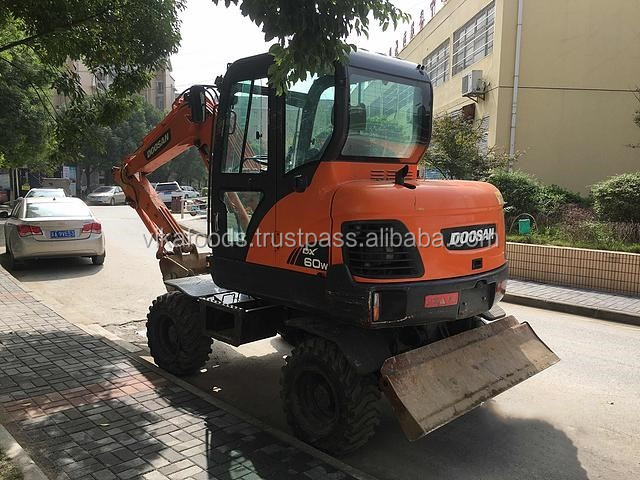 Used Doosan DX60 excavator ,used excavator Doosan DX60,original Korea low fuel consumption
