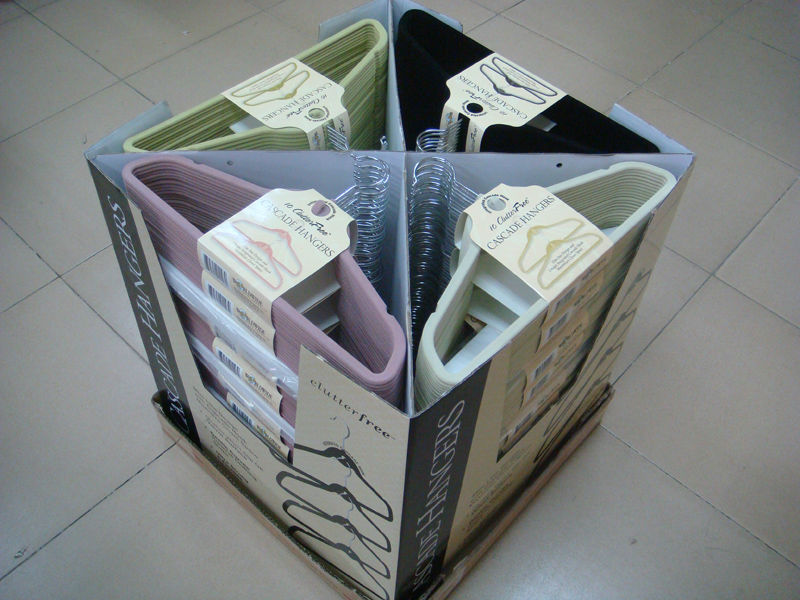 Non-slip Cascading Hanger in Display Box