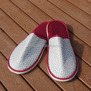 Cheap disposable slippers for men