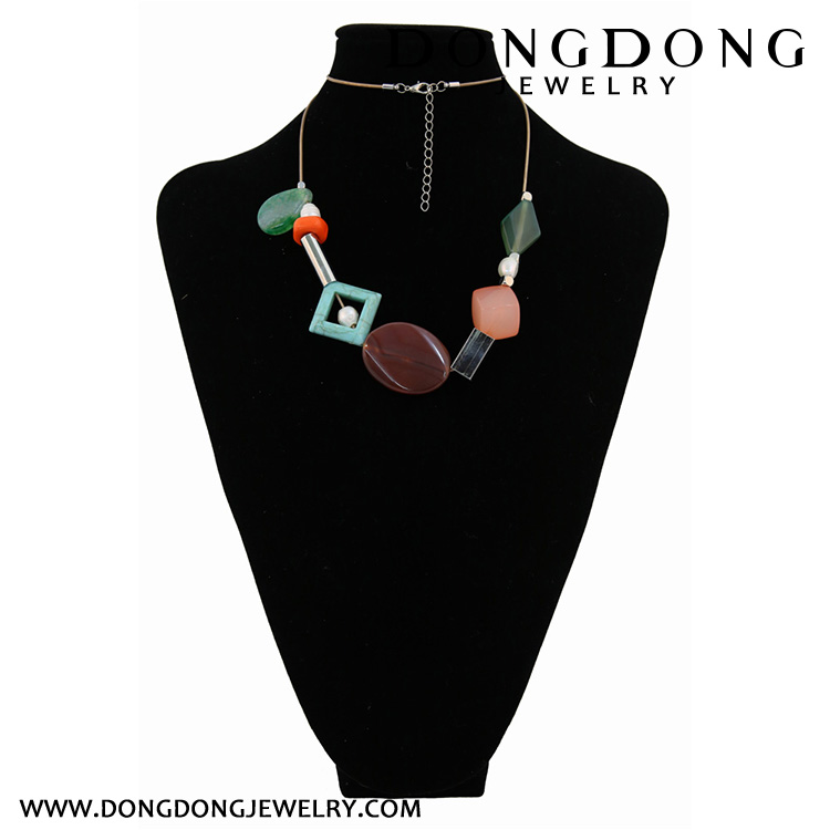 Dongdong fashion plastic beads Long Necklace