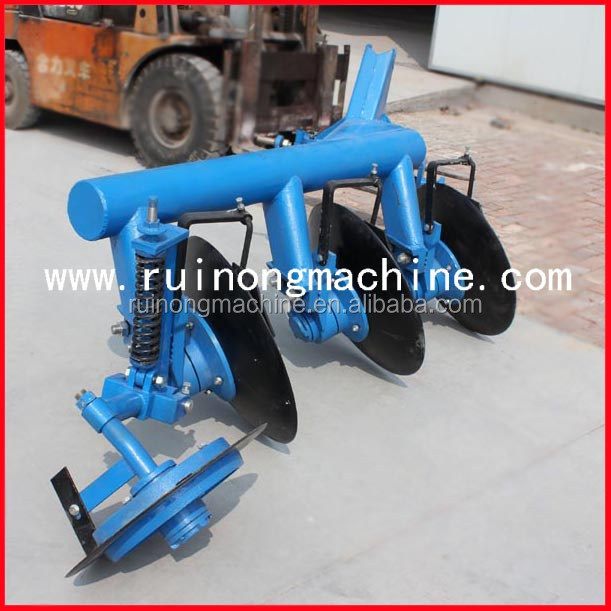 Traction disc plough dadi