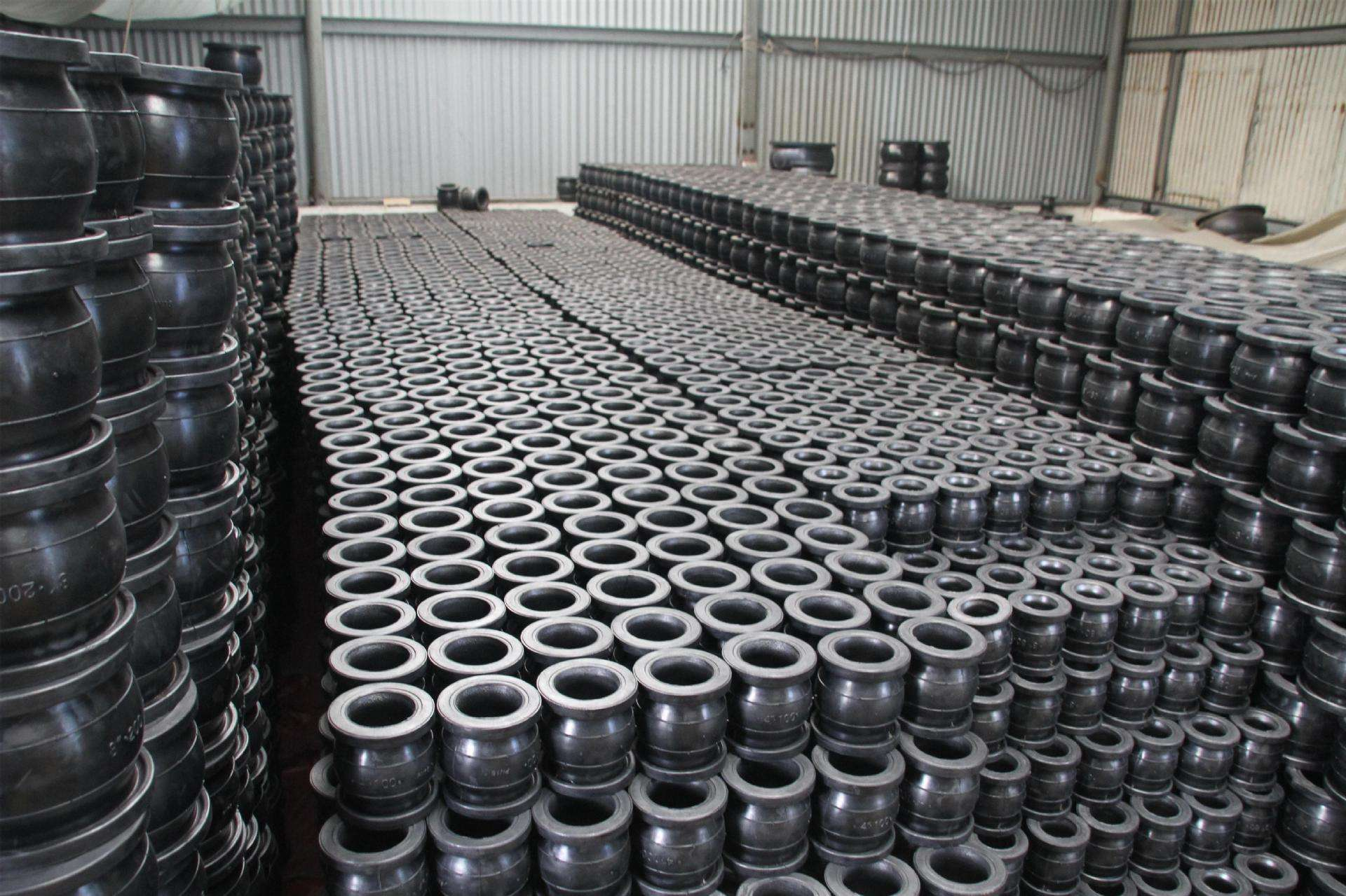 single ball rubber flexible joints
