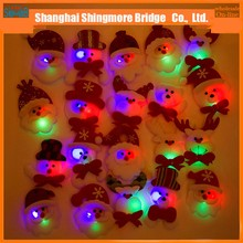Best price hot wholesale LED flashing Christmas snowman brooches