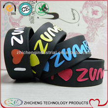 2013 new stylish boys cool 1 inch wide embossed print black silicone wristbands