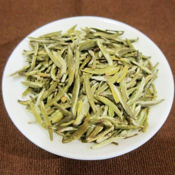 Traditional Chinese Yellow Tea Organic And Popular Mengding Huangya Yellow Tea