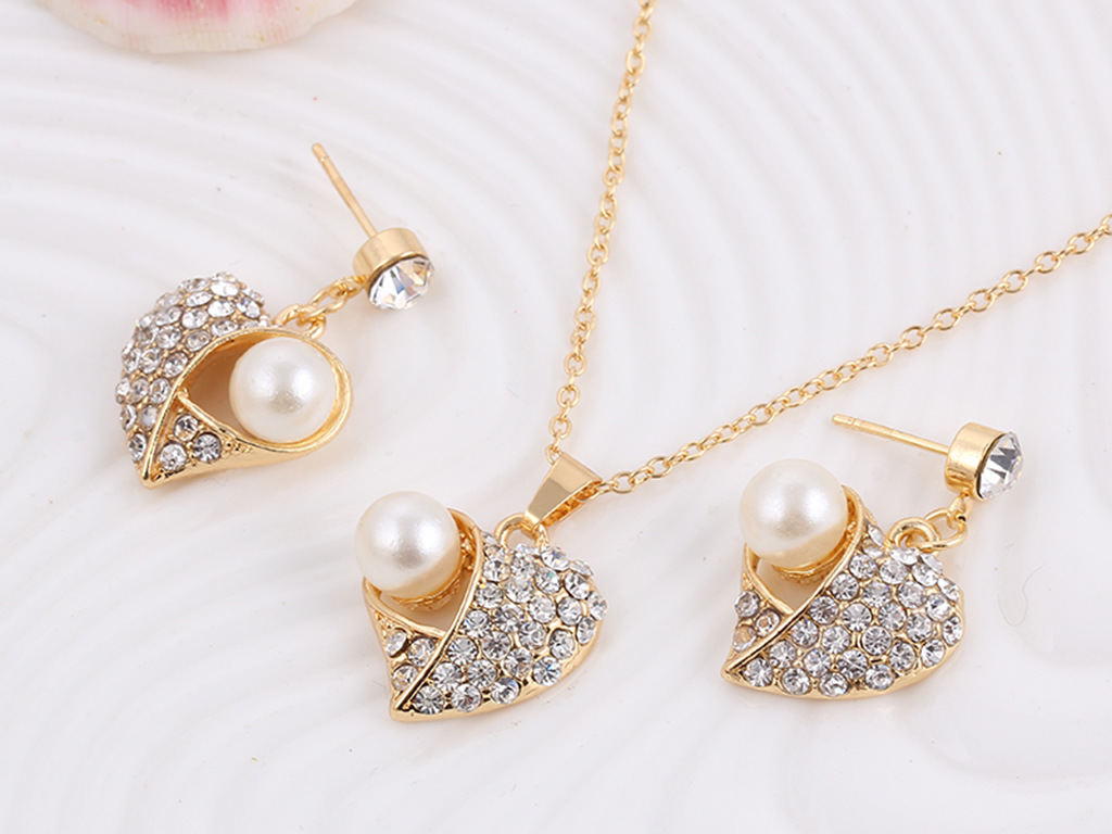 Wholesale Top Fashion Pearl Jewellery Unique Design Heart Shape Pendant Wedding Jewelry Sets