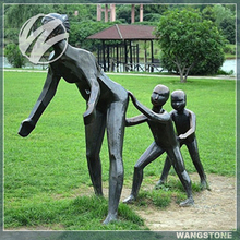 Playing in garden bronze material abstract mother and child sculpture