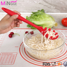 Silicone Spaghetti server pasta server serving pasta spoon with draining