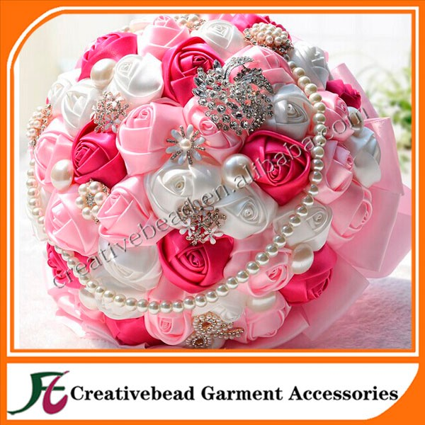 new design pendant rhinestone brooch for wedding invitation