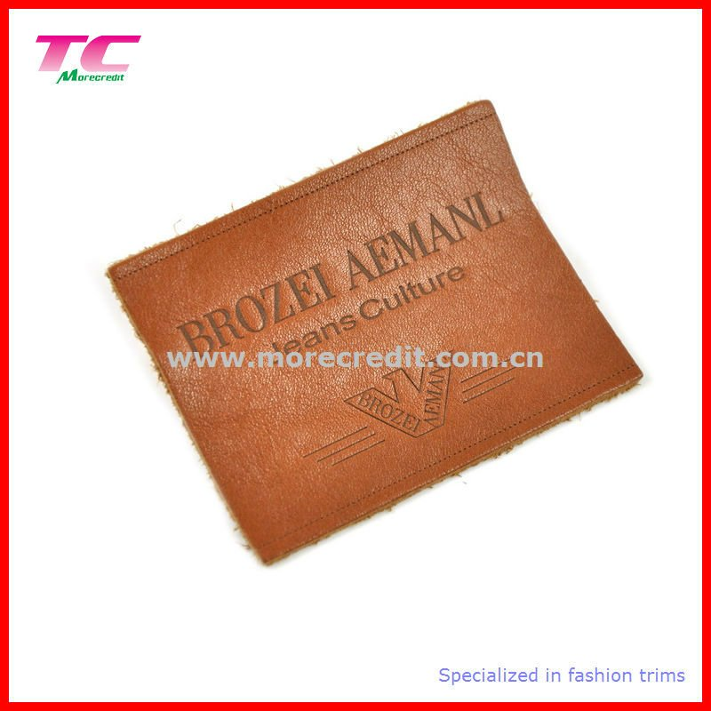 Nice Quality Hot Stamp Customized Design Garment Genuine Leather Labels Supplier In China
