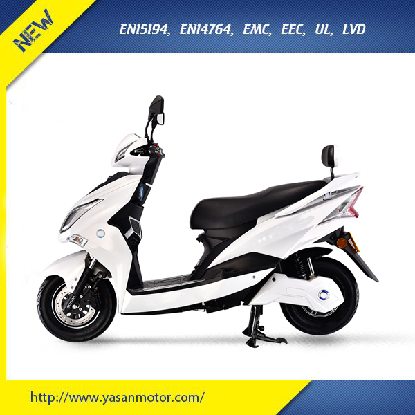 EEC 2000W Electric Scooter With Removable Battery For Europe Market