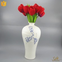 EDC244 Unique Shape Church Decoration Miniature Small China Mini Ceramic Flower Vase for Home Decor