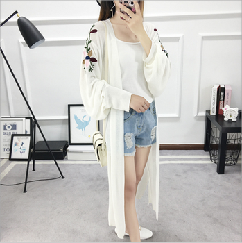 2017New fashion embroidery long sleeved cardigan