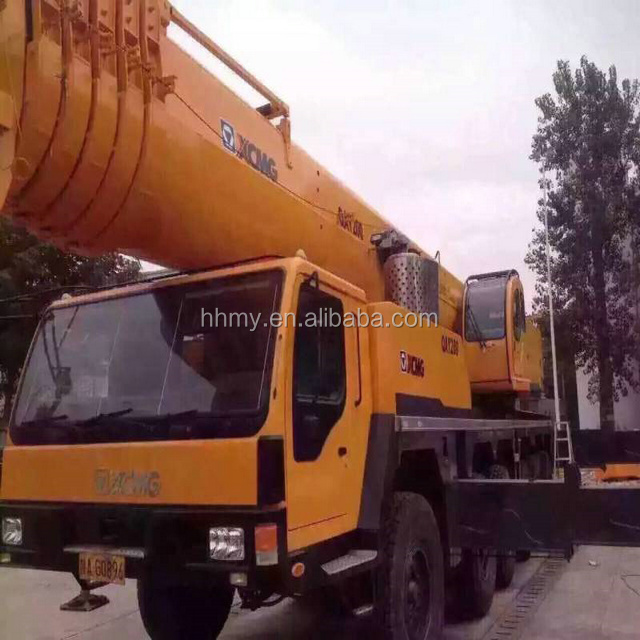 Used XCMG QY70K-I 2009 to 2015 year truck crane 5 tons in shanghai for sale