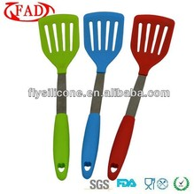 2014 New Product kitchen tool set silicone pan egg turner