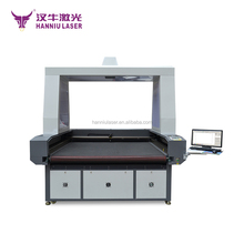 T-shirts clothing CO2 Automatic feeding laser cutting machine on sale