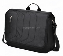 Vertical zipper front pocket design laptop messenger bag