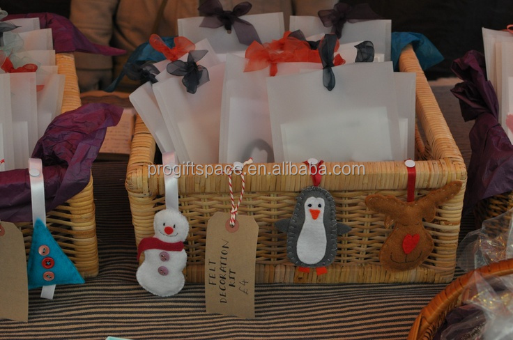 2017 new hotsale China handmade snowman/penguin/deer/tree crafts wholesale fabric box ornament gift felt Christmas hanging