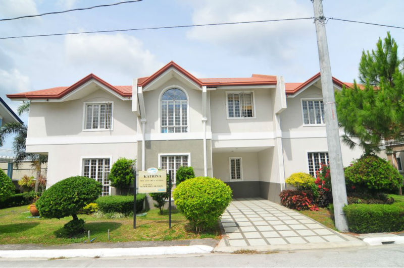 katrina townhouse 3 bedrooms 1 toilet & bath complete type, governor hills subd, complete amenities