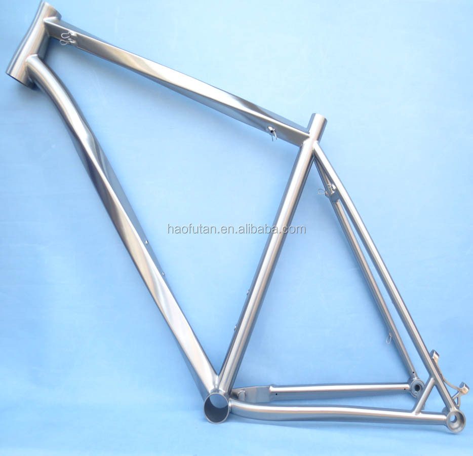 22 inch titanium mtb 29 frame with wireless cable routing