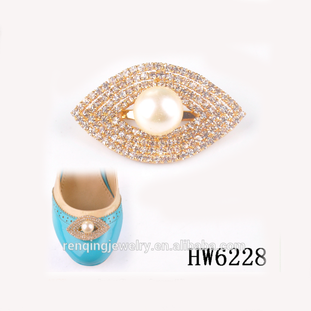 Creative Lovely Lips Kiss Mouth Rhinestone Crystal Christmas Wedding Shoe Clips for High Heeled Shoes