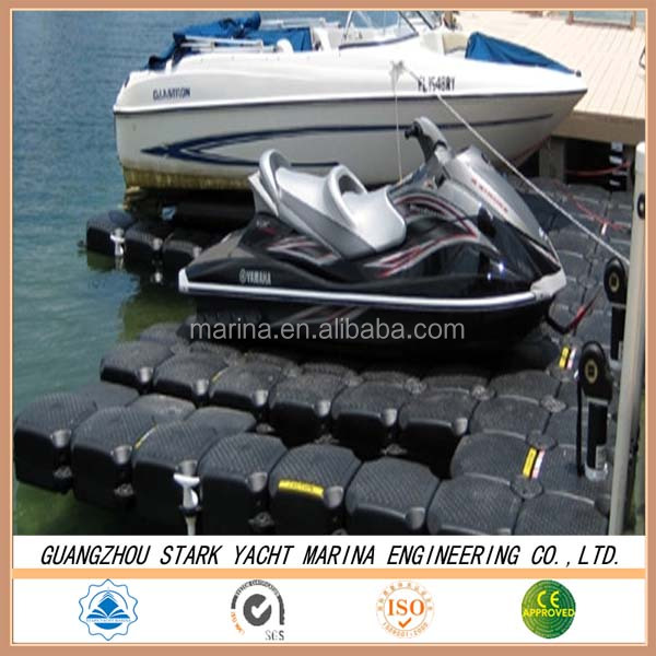 Motorboat floating dock / used to lift the jet ski