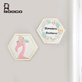 ROOGO wholesale resin new design handmade modern simple art craft flamingo home ornament hexagon wall hanging for return gift