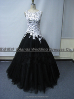 2016 New Arrival High Quality Lace Bodice Ball Gown White and Black Quinceanera Dresses