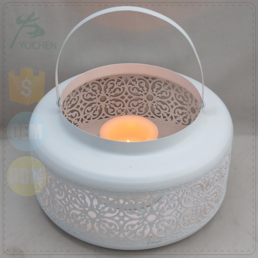 Powder Coated White Painting Candle Holder in Metal Flower Mould