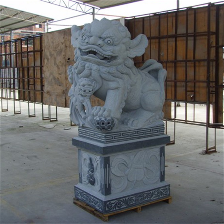 Popular Garden Decorative Hand Carved Lion Statue
