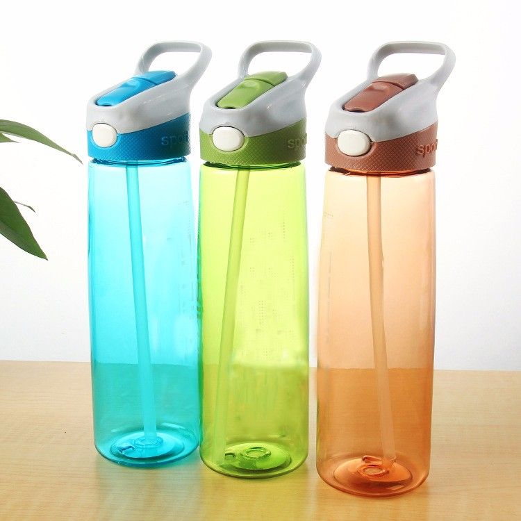 600ml food grade pc lockable plastic sport water bottle with spout
