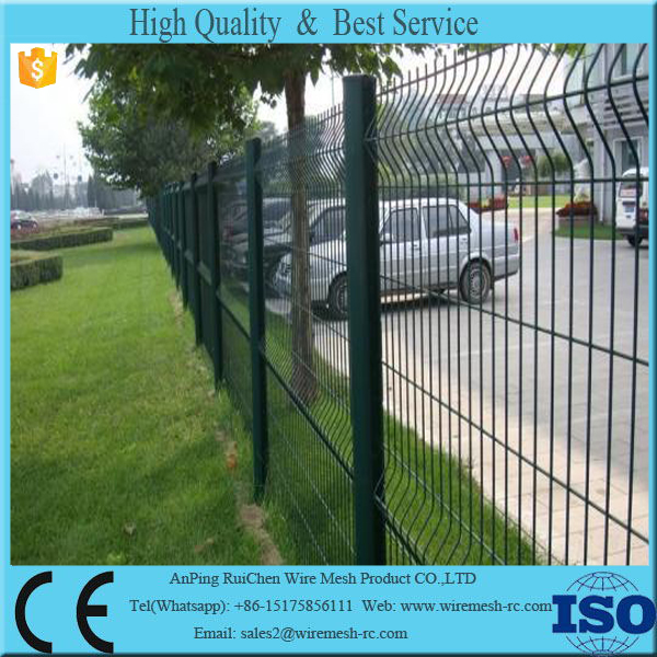 Made in Guangzhou Anping local factory hot sale triangle bending wire mesh fence