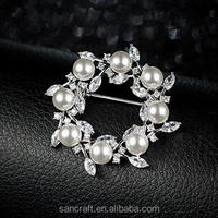 new design pearl Austrian crystal korea flower wedding christmas silver pearl brooch
