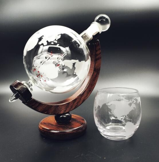 Large Etched Globe Whiskey Decanter with Glass Ship 30oz (850ml) for Scotch, Bourbon, Rum, Liquor, Wine