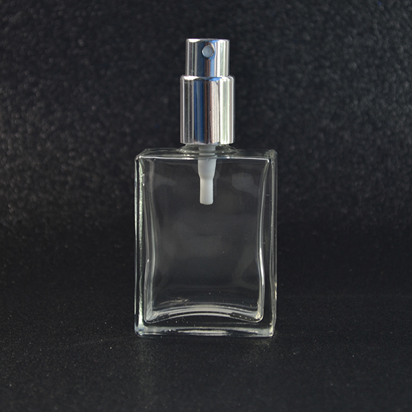 Low price 15ml 30ml 50ml clear square spray glass bottle for perfume essence lotion