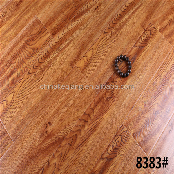 <strong>Oak</strong>, Registered Embossed Surface Laminated Flooring