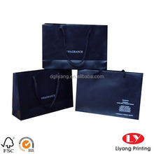 Hight-end luxury promotional paper bag shopping in brand paper bag with logo silk printing in white ink