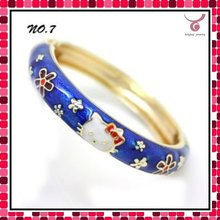 Latest design bangles and bracelet, metal bangles bracelets with hello kitty animal enamel pattern for boys
