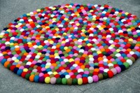 100% woolen felt ball rug from Nepal-Universal color combination felt ball rug. Round rugs, wholesale felts products from Nepal