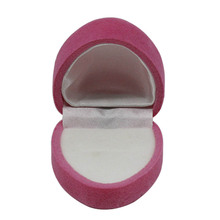 Special personalized red wedding heart shape favor velvet ring box