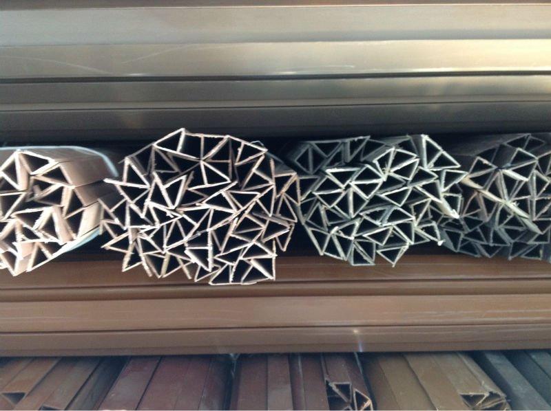 Chafl n triangular de pl stico perfil perfiles pl sticos - Perfiles de plastico ...
