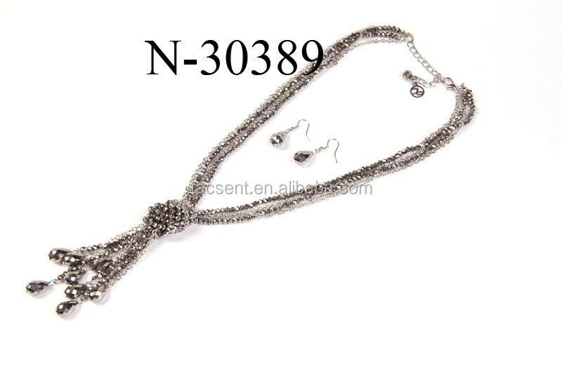 Choker jewelry necklace made of knotted black crystal beads, imitation jewelry necklace supplier