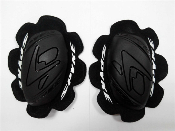 Motorcycle Race knee sliders passing EN1621-1 CE