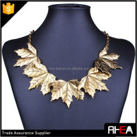 Fashion 5 Pieces Gold Alloy Canada Maple Leaf Pendant Necklace